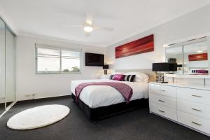 Balmain Self-Contained Modern Two-Bedroom Apartment (5738DAR) - Woolwick