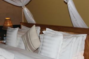 Lake Chahafi Resort, Luxury tents  Kisoro - big - 26