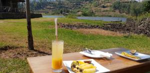 Lake Chahafi Resort, Luxury tents  Kisoro - big - 30