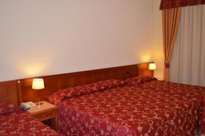Hotel Olioso, Отели  Пескьера-дель-Гарда - big - 21