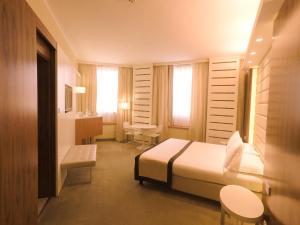 Best Western Mirage Hotel Fiera, Hotels  Paderno Dugnano - big - 46