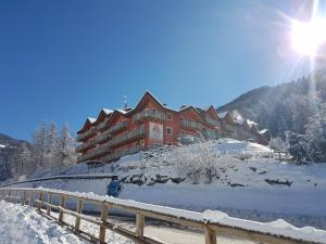 Residence Adamello Resort - AbcAlberghi.com