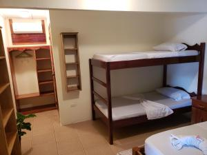 Double Room with Extra Bunk Bed Cabinas Pura Vida Bed & Breakfast