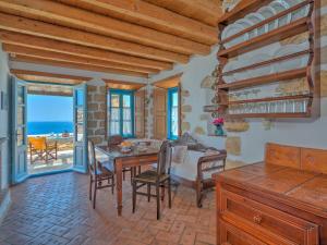 Eirini Luxury Hotel Villas, Ville  Grikos - big - 6
