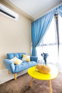 Econest Colourful Cozy Suite - Hock Lam Village