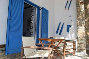 CLIO'S BEACH HOUSE - DELUXE BEACH FRONT PROPERTY Andros Greece