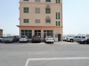 Discovery Furnished Apartments (Al-Amerat)