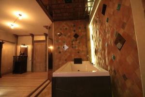 Artists Residence in Tbilisi, Hotel  Tbilisi - big - 23