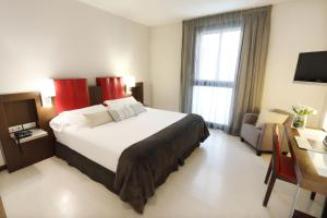 Hotel Ciutat de Girona (3 of 38)