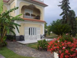 villa maronti - AbcAlberghi.com