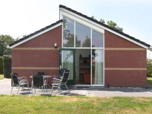 Holiday home Recreatiepark De Friese Wadden 5 - Sexbierum