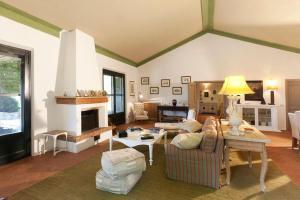 Casale Burano Lago - AbcAlberghi.com