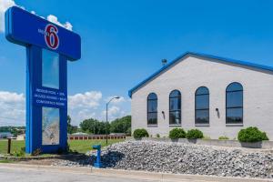 Motel 6-Richmond, IN