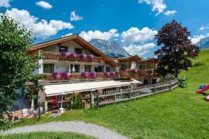 Gasthof Juchhof - Hotel - Lermoos