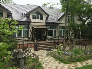 Гостевой дом Кантри, Артем