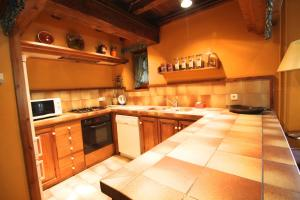 Casa rustica para 6 con chimenea y jardin, l'Aldosa, vallnord - Apartment - La Massana
