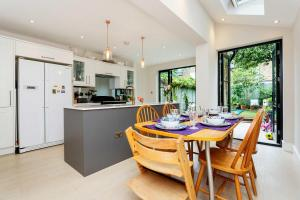 Veeve - South West London Retreat, Holiday homes  London - big - 19