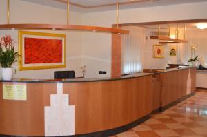 Hotel Olioso, Отели  Пескьера-дель-Гарда - big - 67