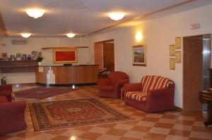 Hotel Olioso, Отели  Пескьера-дель-Гарда - big - 54