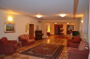 Hotel Olioso, Szállodák  Peschiera del Garda - big - 41