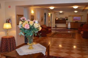 Hotel Olioso, Отели  Пескьера-дель-Гарда - big - 53