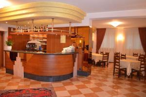 Hotel Olioso, Hotel  Peschiera del Garda - big - 40