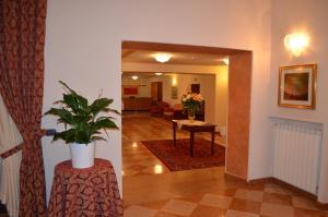 Hotel Olioso, Отели  Пескьера-дель-Гарда - big - 37