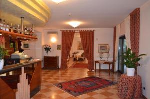 Hotel Olioso, Отели  Пескьера-дель-Гарда - big - 66