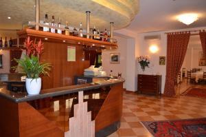 Hotel Olioso, Отели  Пескьера-дель-Гарда - big - 41