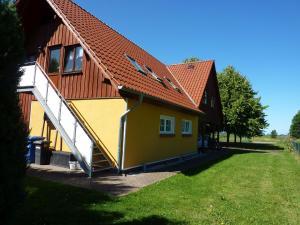 Familienferien Lenz mit 2 Schlafzimmern Spiel- und Grillplatz - Ahrenshagen