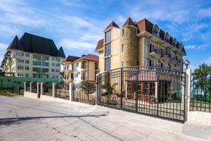 Отель Перл, Вардане
