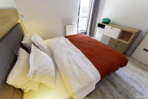 Granary Island Apartment
