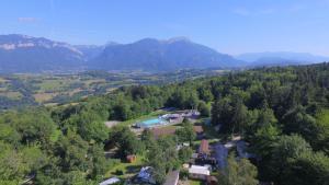 Location gîte, chambres d'hotes Team Holiday - Camping Le Balcon de Chartreuse dans le département Isère 38