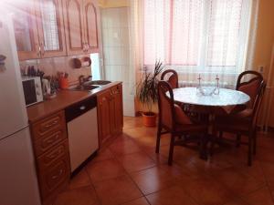 Apartman Bulevar, Apartmanok  Tuzla - big - 10