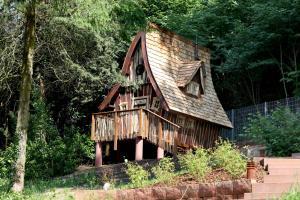 Hexenhäuschen am Waldrand - Annweiler am Trifels