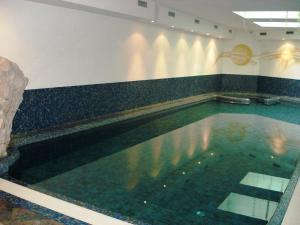 Hotel Goldenhof, Hotel  Ora - big - 54