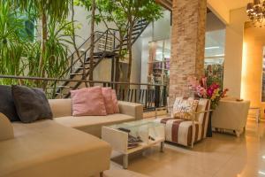 Jula Place Hotel - Ban Na Bon