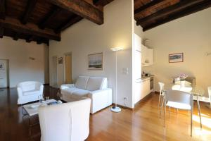 GetTheKey Palazzo Pepoli Apartment - AbcAlberghi.com