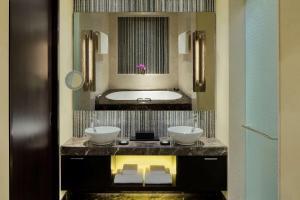 Grand Hyatt Abu Dhabi Hotel & Residences Emirates Pearl (6 of 55)