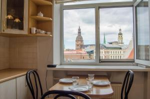 2-Bedroom Panorama View and own Parking - Rīga