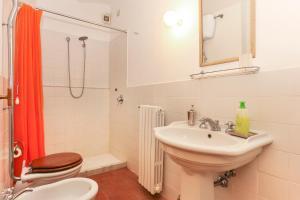 Casale delle Noci Apartment, Апартаменты  Таварнелле-Валь-ди-Пеза - big - 71