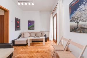 The Artist's Apartment | One Bedroom on Graf Ignatiev