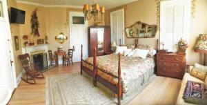 obrázek - Ellerbeck Mansion Bed & Breakfast - Autumn Winds Room