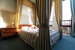Fort Hotel - Warsaw