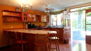 Villas de Atitlan, Комплексы для отдыха с коттеджами/бунгало  Серро-де-Оро - big - 177