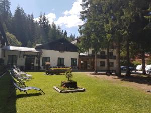 Casa Alpina Dobbiaco, Гостевые дома  Добьяко - big - 1