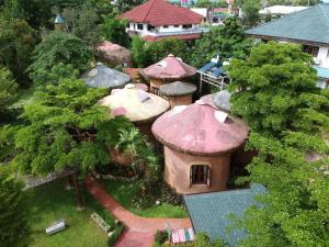 Leafy Greens Clay House - Ban Rai Nong Ho