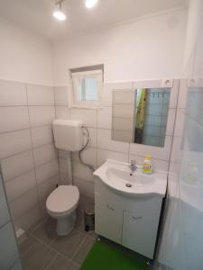 Hévíz-Egregy Vendégház, Apartments  Hévíz - big - 65