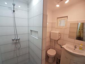 Hévíz-Egregy Vendégház, Apartmanok  Hévíz - big - 64