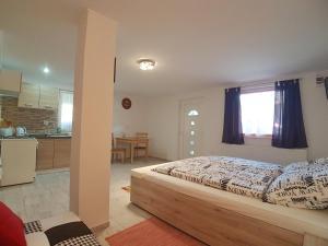 Hévíz-Egregy Vendégház, Apartments  Hévíz - big - 59